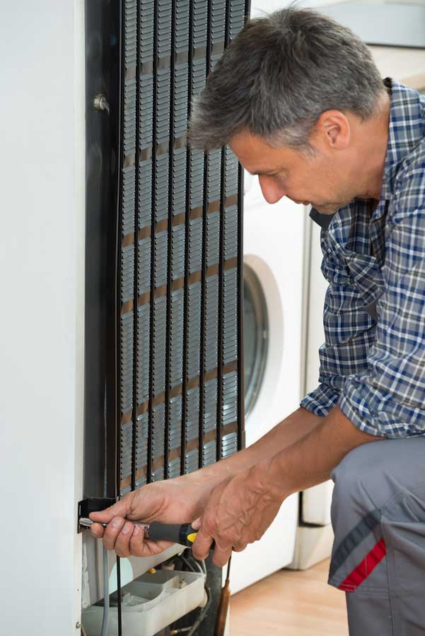 Refrigerator repair Men in Scottsdale, AZ